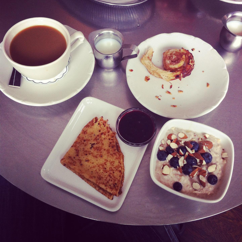 Quanto costa la colazione a letto design - Colazione al letto ...